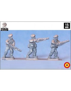15mm Republican infantry advancing in beret