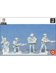 15mm LMG crewmen in beret